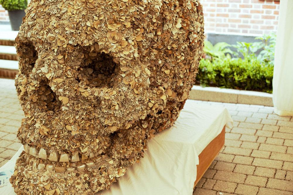 Jacky Tsai - Floral Skull